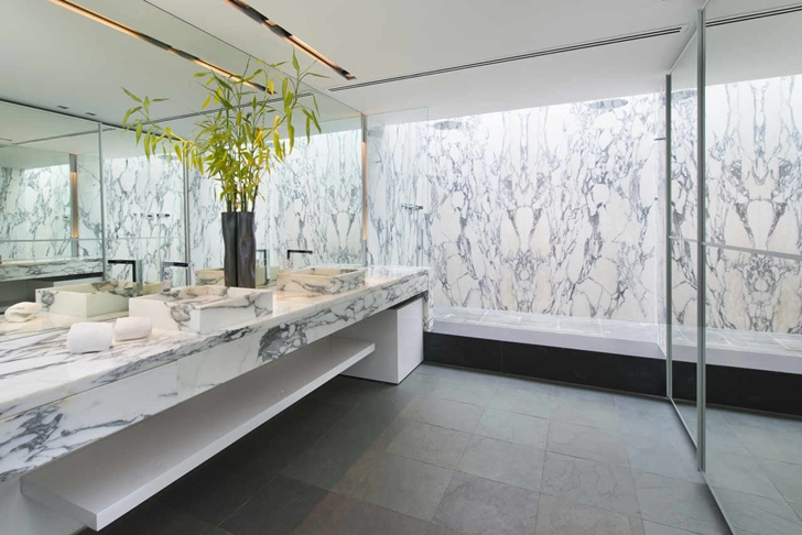 Marble bathroom in Modern mansion in Miami