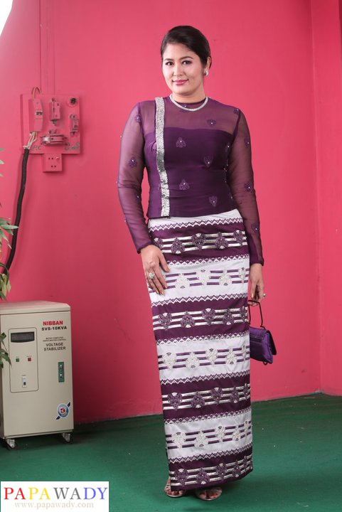 Soe Myat Thuzar in Myanmar Dress Fashion