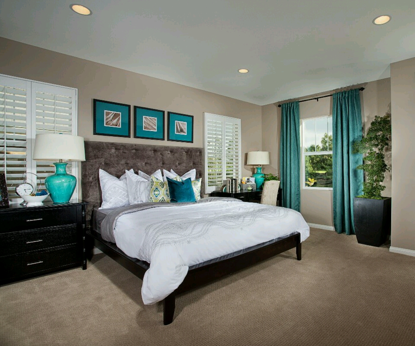 Modern homes bedrooms decoration designs ideas. title=