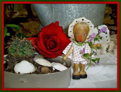 bambola in legno antica