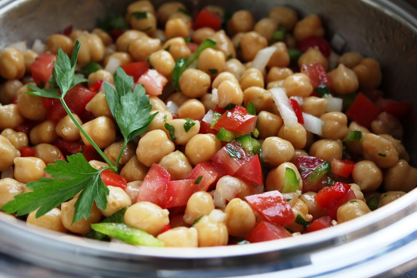 Dieta recomendada ensalada de garbanzos - Ensalada de garbanzos light ...