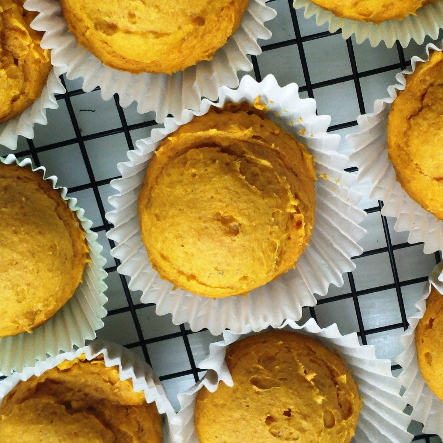 The Broken Oven: Quick & Easy Pumpkin Muffins