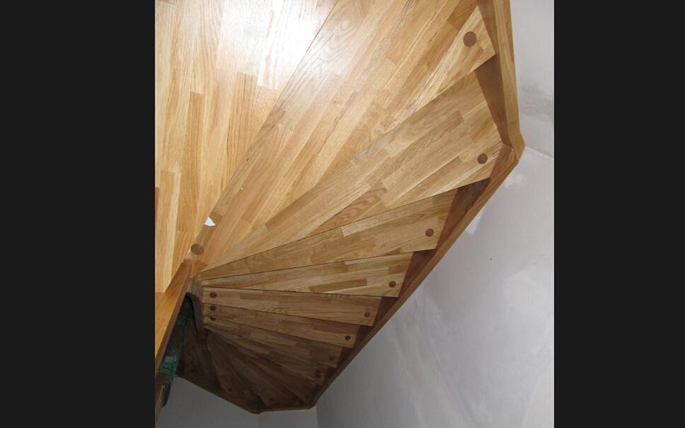 ein traum w chst treppe die zweite. Black Bedroom Furniture Sets. Home Design Ideas