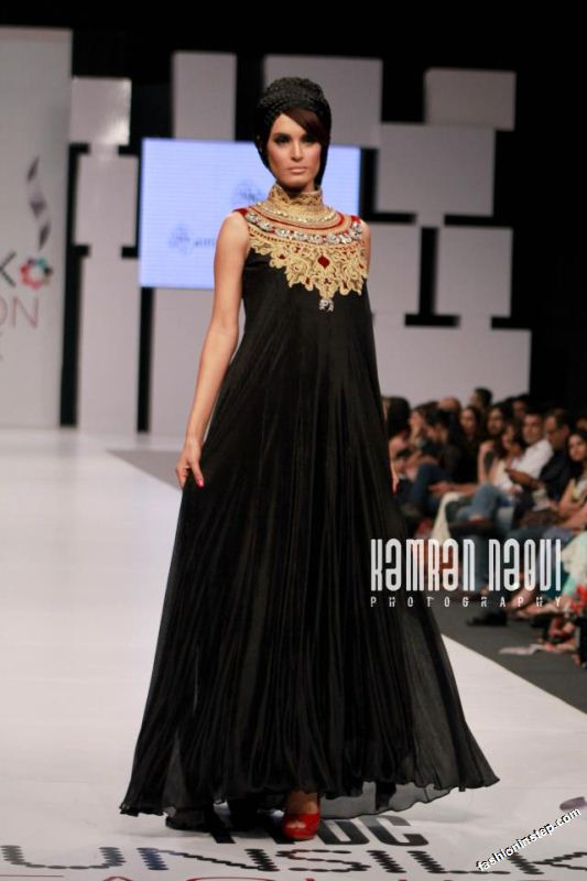 Fashion Records The Latest Storm Of Frocks Fashion Has Taken Pakistani Fashion Industry And Top