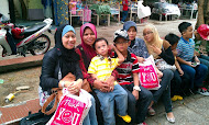 Sabah wif hb family