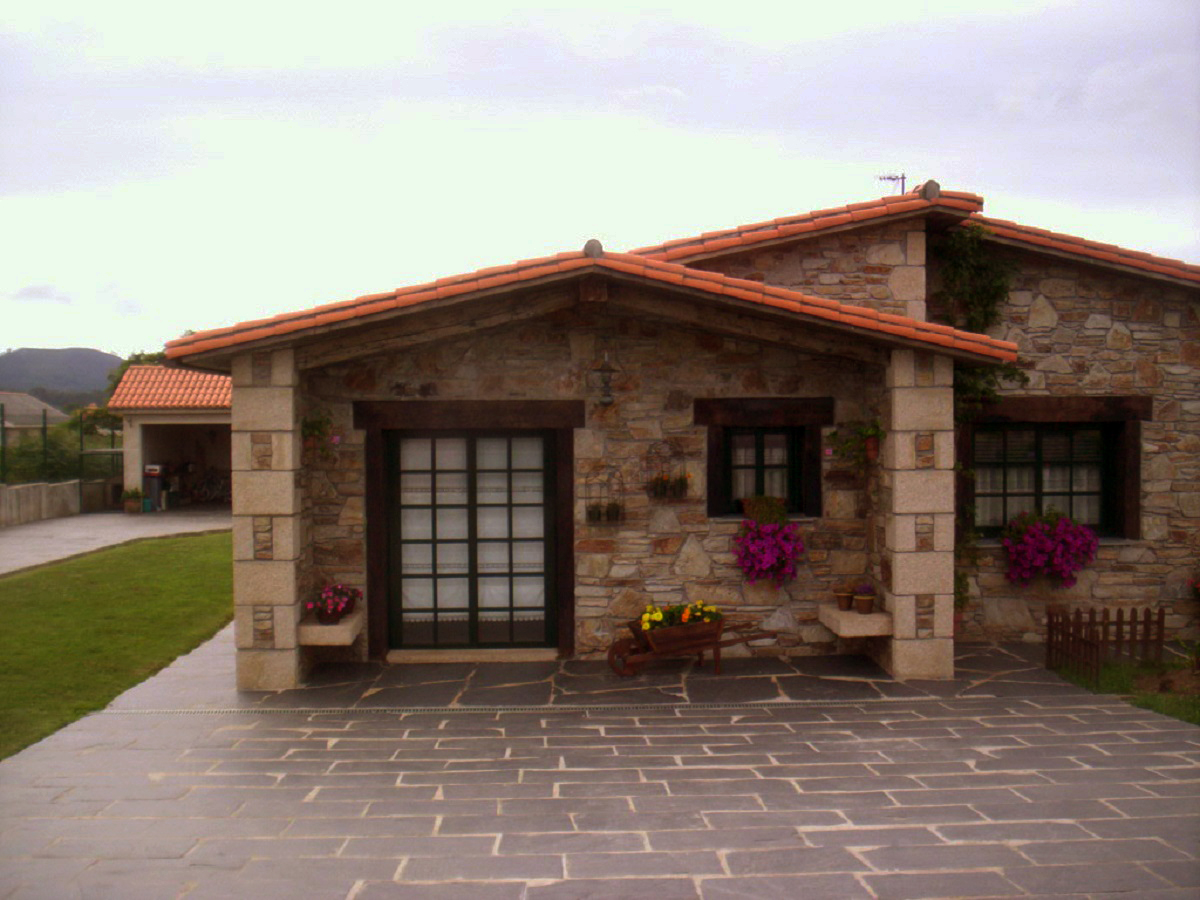 Construcciones r sticas gallegas casa en naron for Casa moderna ladrillo
