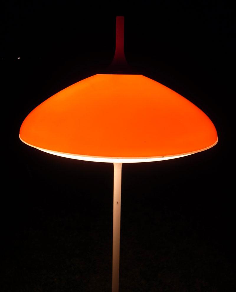 Lampe ufo l 39 amateur eclair - Lampe soucoupe volante ...