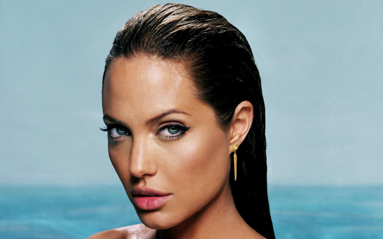 http://4.bp.blogspot.com/-ULDrP-7xfzE/UFGwgZVxokI/AAAAAAAAjnw/RlpYWB8ZRfk/s1600/Angelina+jolie+(26).jpg