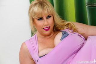 Twerking blondes - rs-Lila_L___6_3112pp_Lila_Lovely_042-728355.jpg
