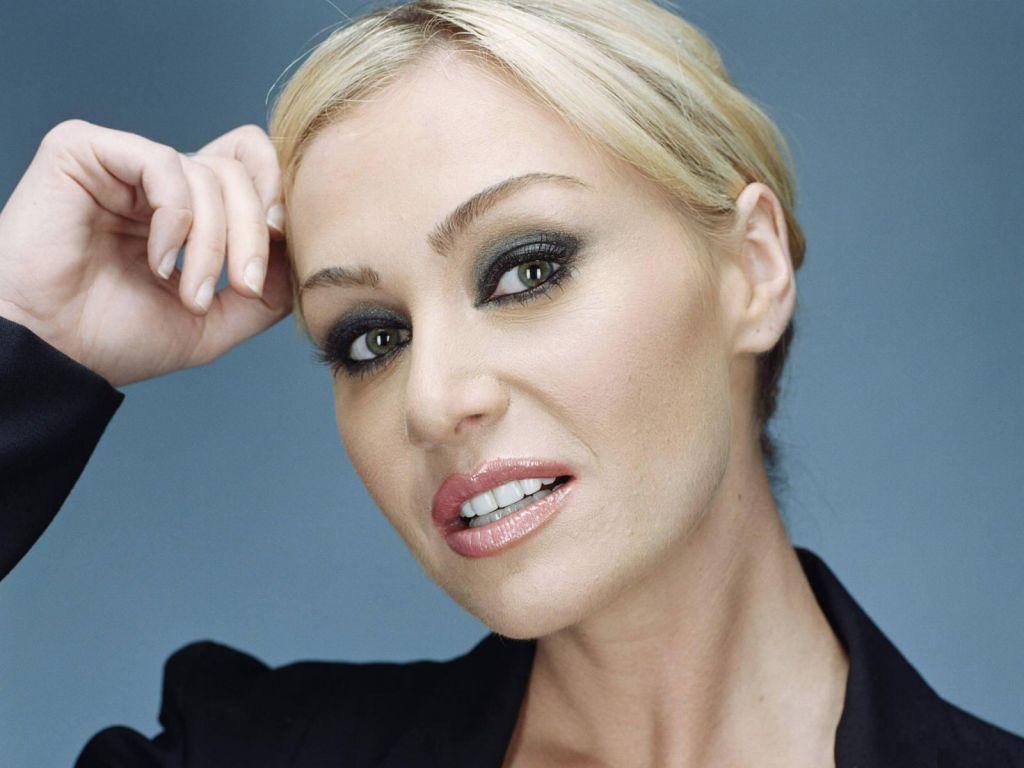 http://4.bp.blogspot.com/-ULKZwG9QvKA/TdTQ3YbortI/AAAAAAAAQFY/HzmBIAYxjEk/s1600/australian-beauty-Portia-de-Rossi%2B%25!%20%20281%2529.jpg