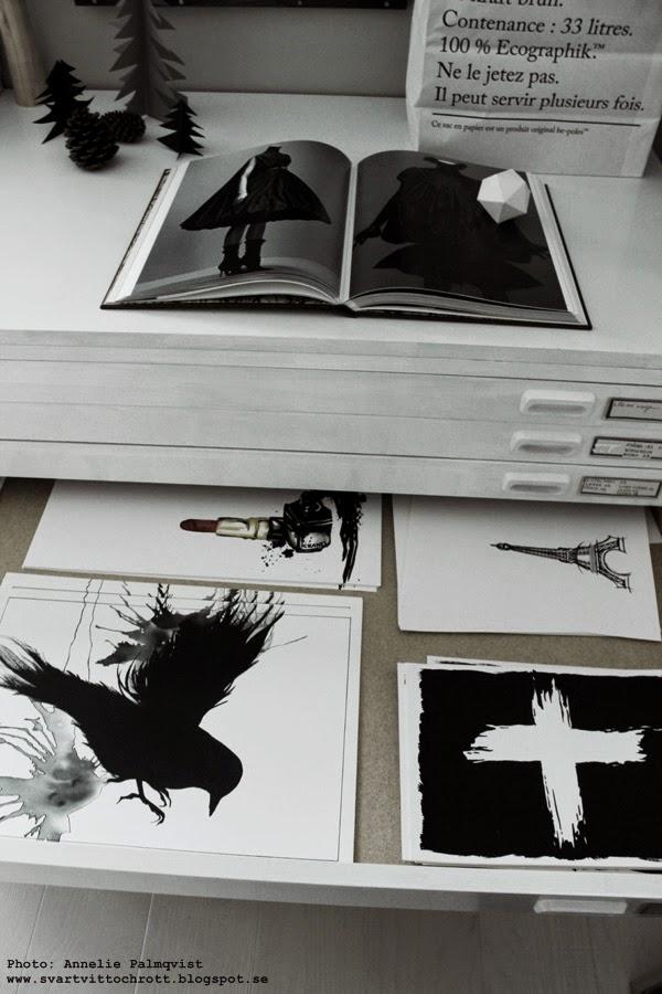 posters, poster, svartvita tavlor, tavla, konsttryck, artprint, artprints, print, prints, arbetsrum, ateljé, arkivskåp, kommod, vitt, vita, eiffeltorn, smink, svart fågel, fåglar, julklappstips, julklapp 2014,
