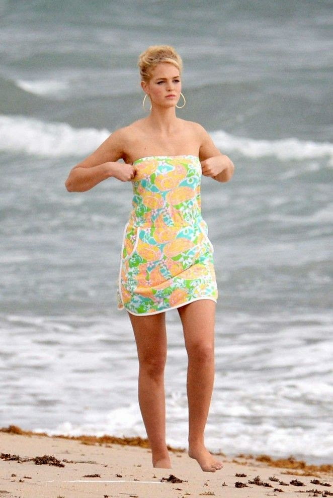 Staying busy is sometimes the best way to staying fit and well. And Erin Heatherton is doing just that as she kept her beauty to the grindstone on a photo shoots for clothing brand, Lilly Pulitzer at Miami on Wednesday, October 22, 2014.
