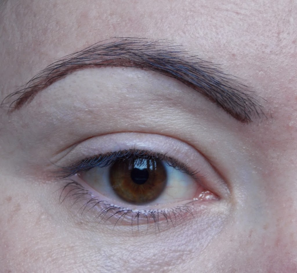 How i do my eyebrows step by step step 2 with eyebrow pencil i m making stroke at the bottom of my eyebrow following the shape of eyebrow baditri Images