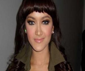 Julia Perez Hot with a smile Sweetnes