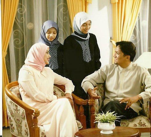 Islam dalam Keluarga Chikita Fawzi