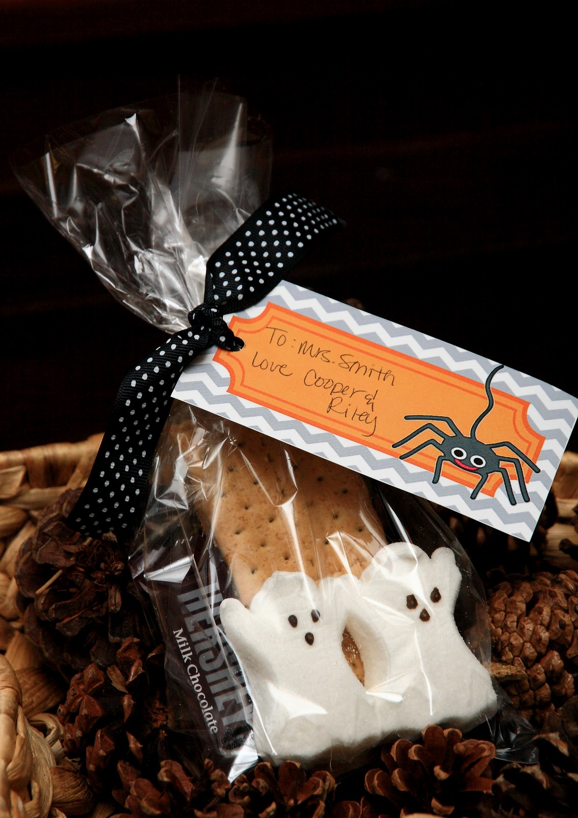 Halloween Smores Teacher Gift Free Printable Yellow Bliss Road