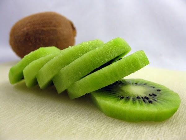 Bí quyết trẻ lâu cùng kiwi