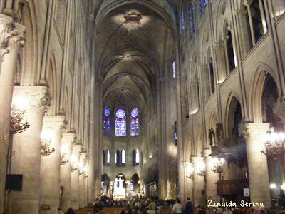 paris-catedrala-notre-dame-interior