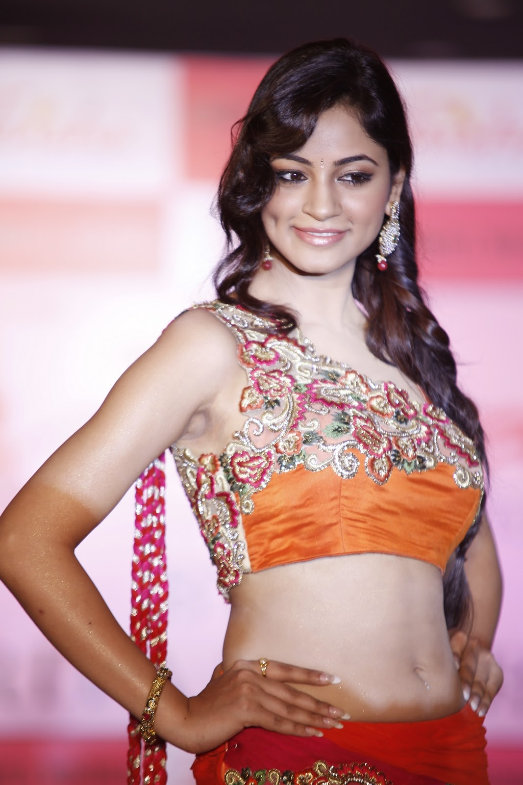 Trisha Pre Launch Fashion Show Ramp Walk Photo Gallery (87)