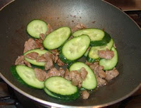 easy Chinese stir fry recipe cook with cucumber and beef