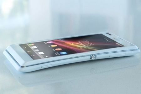 2013 Sony Xperia L design