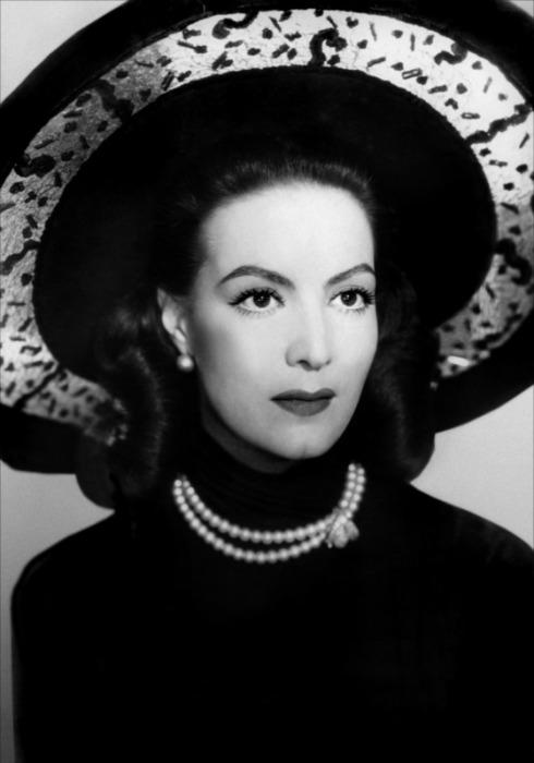 Maria felix maria bonita the legend one style at a time - Enrique alvarez ...