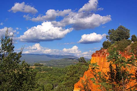 Roussillon. Au sentier des ocres. By Guillaume Baviere / Flickr (CC BY 2.0)