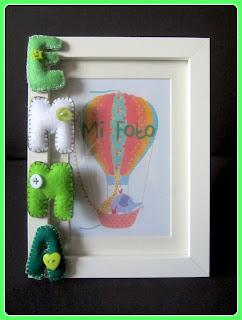 Marco de fotos con letras en fieltro verde. Chikipol