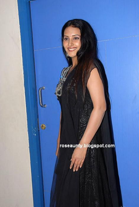Archana Sharma (Ayshackka)  facebook Logo Launch