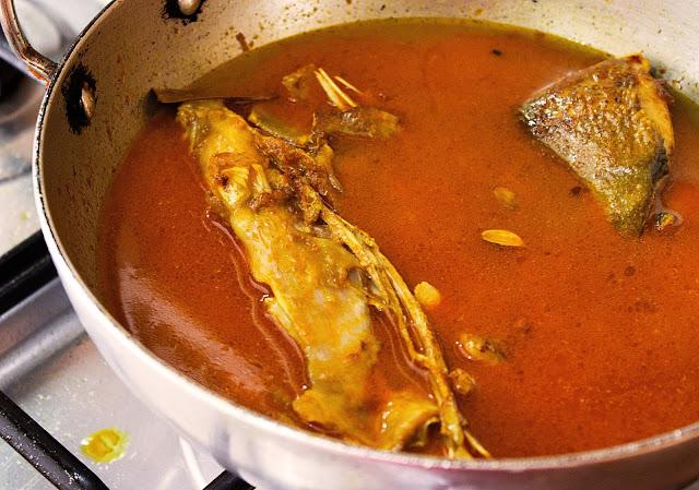 macher mathar rosha recipe