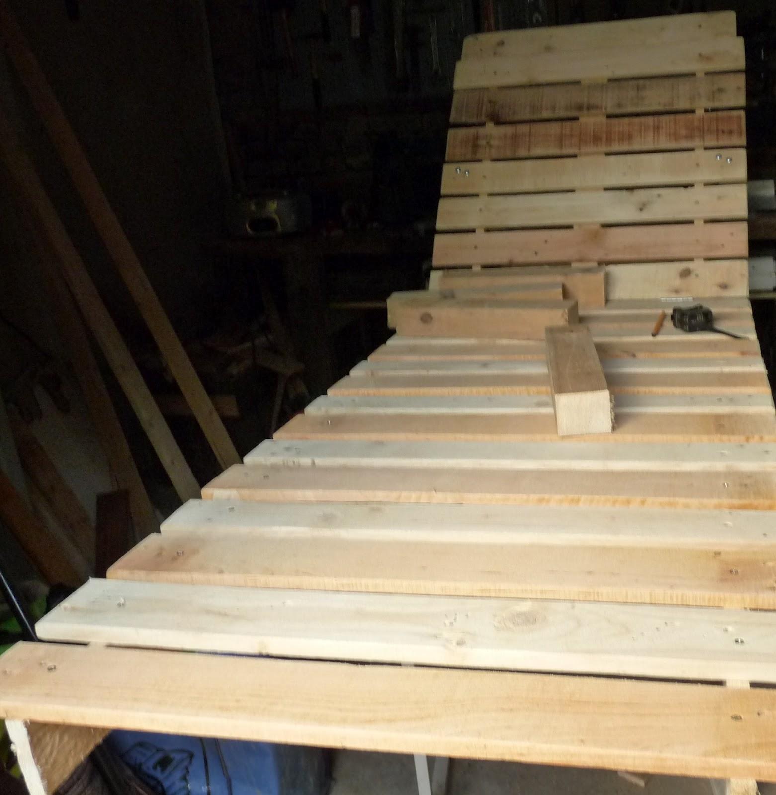 R cup cr ations par jo l et marie jo chaise longue for Fabriquer une chaise en bois