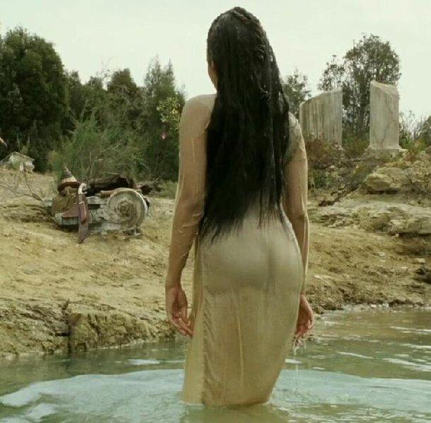 Bollywood Actress Photobook: Aishwarya Rai Hot Ass