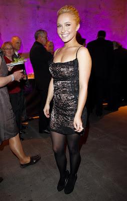 Hayden Panettiere In Black Nylons