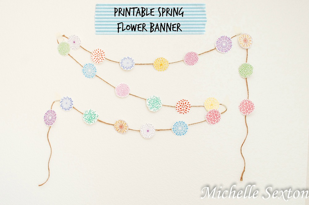 Free Printable Spring Flower Banner @ SoHeresMyLife.com click through and get it!