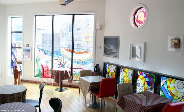 Interior de una cafetería coreana