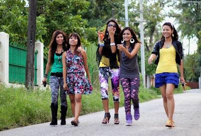 >Tiger Girls ကုိ အမည္ေျပာင္းလုိက္တ့ဲ Me N Ma Girls တုိ႔ရဲ႕ တင္ဆက္ ကျပမႈ