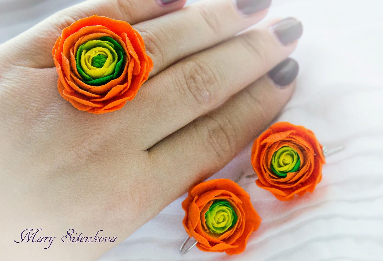 Серьги с цветами из пластики