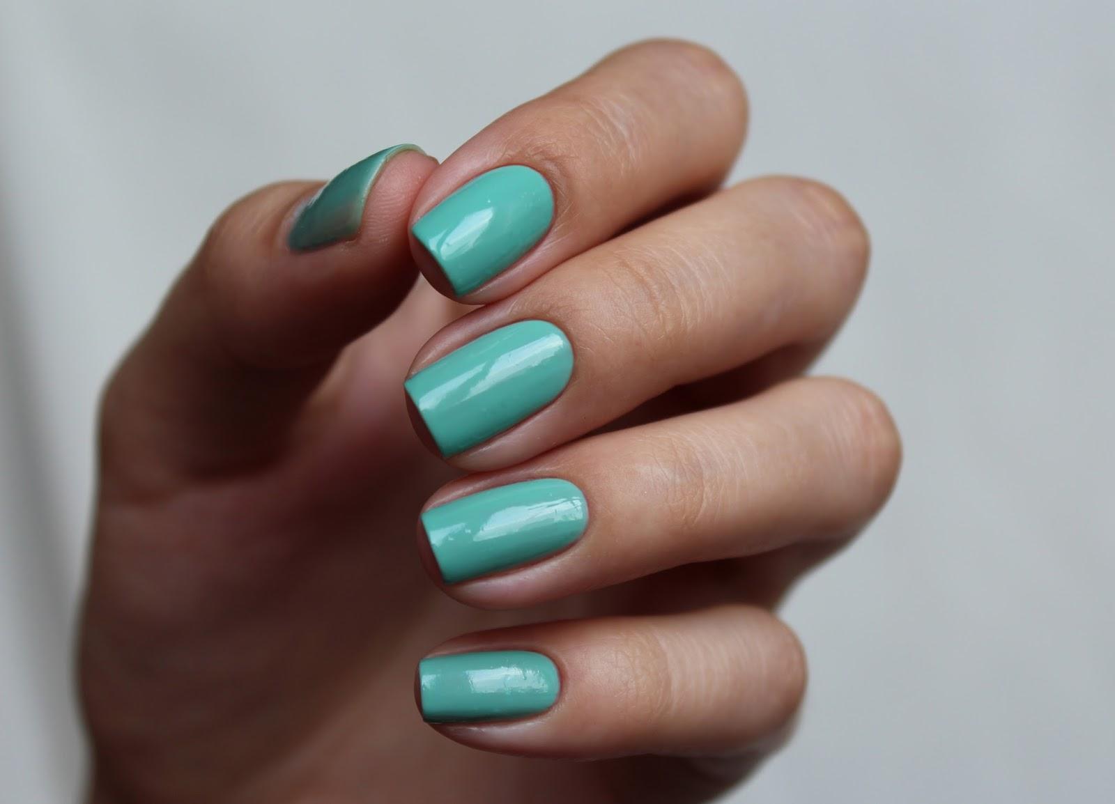 Essie Turquoise & Caicos свочти