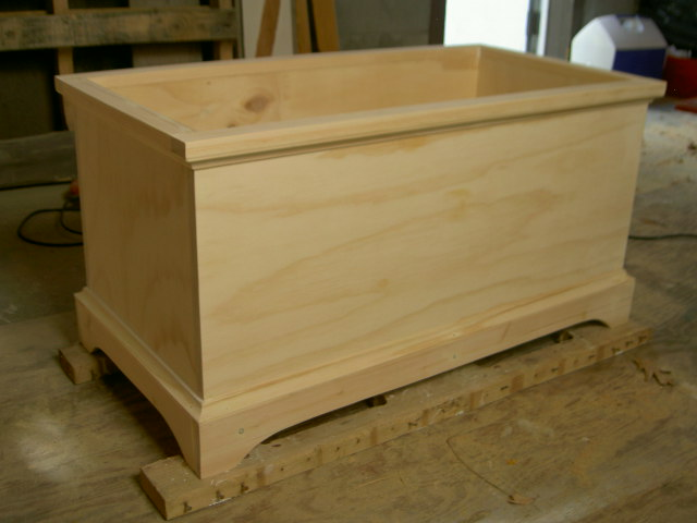 how to build a toy chest out of wood » blueprint