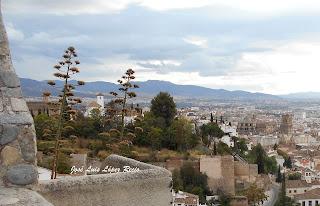 La felicidad es efímera, eres fuerte, quotes, reflexiones, Granada, Mirador  de San Cristobal, José Luis López Recio, joselop44,