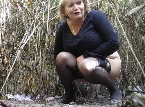 babi-pisayut-podglyadivanie