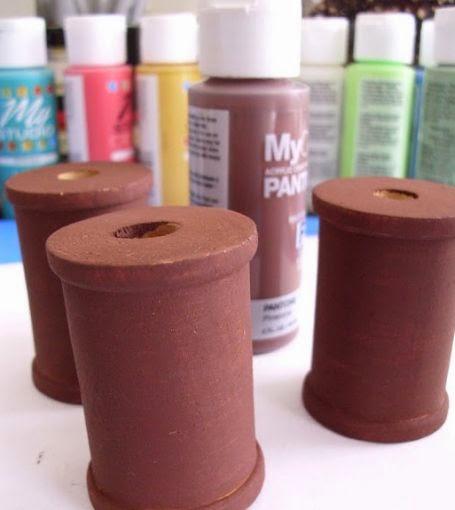 Haz adornos decorativos reciclando carretes de hilo for Adornos decorativos