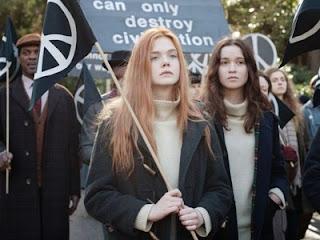 """Cena do filme """"Ginger & Rosa"""""""