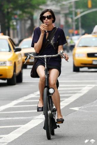 http://4.bp.blogspot.com/-UOWkbxkV1iI/TbcGplclYUI/AAAAAAAAAVU/FeMk-IW_gm4/s1600/famke_jansen_bike_03.jpg
