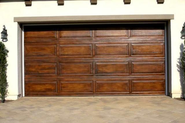 How to paint wood garage door ayanahouse - How to paint a wooden door ...