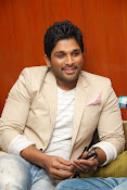 Stylis Star Allu Arjun latest Photos Stills-thumbnail-7