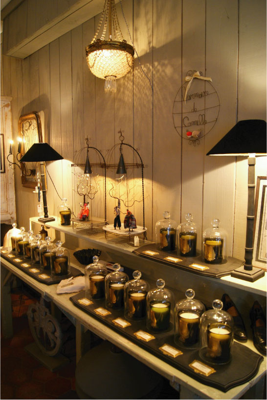 oscar et lila l 39 armoire de camille. Black Bedroom Furniture Sets. Home Design Ideas