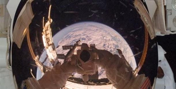 La autofoto más espectacular del 2013 publicada por la NASA 0001432179