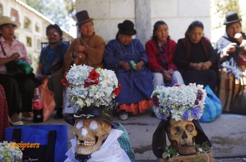Festival Memperingati Tengkorak Di Bolivia