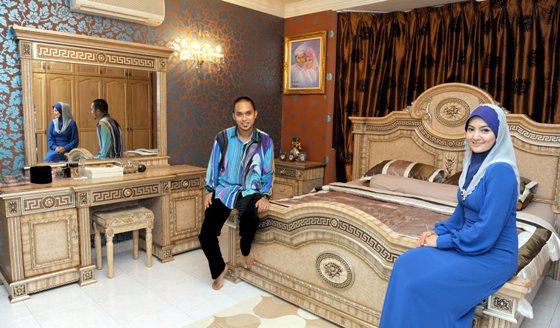 Chekgu Azrine and Family: Mewah Rumah Banglo Mawi